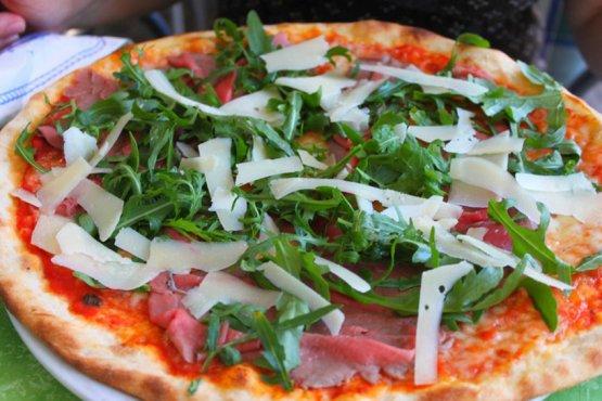 pizza-salmone-rucola-grana